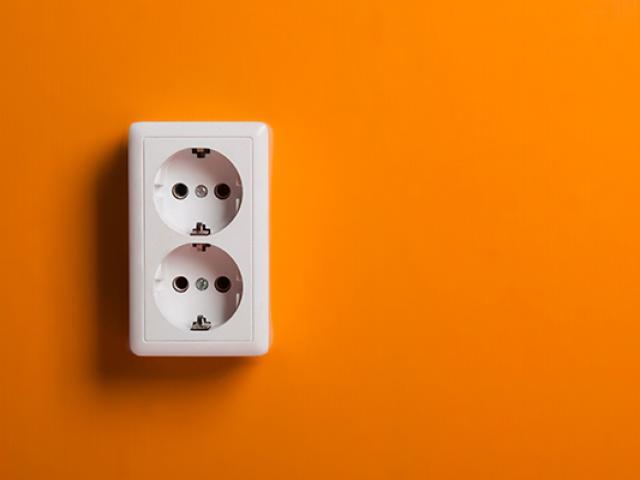 Pose prise électrique
